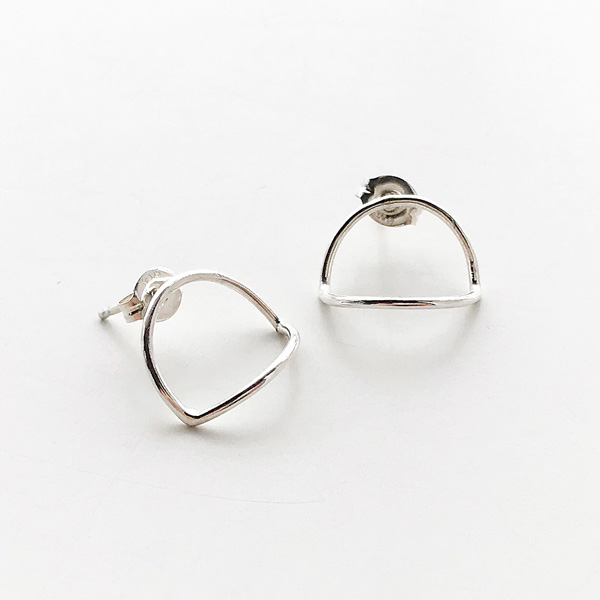 ANOTHER FEATHER/ARC EARRINGS