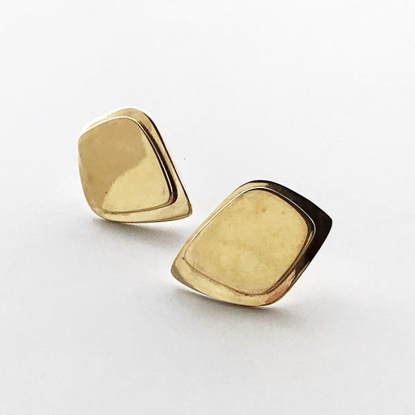 SOKO/makena stud earrings in gold