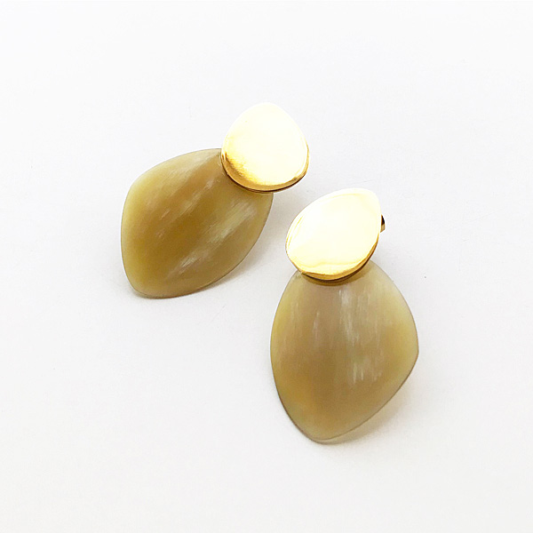 SOKO/sabi contrast stud in nature yellow