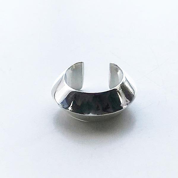 【再入荷】 Saskia Diez/PYRAMID earcuff02 925 AG Silver
