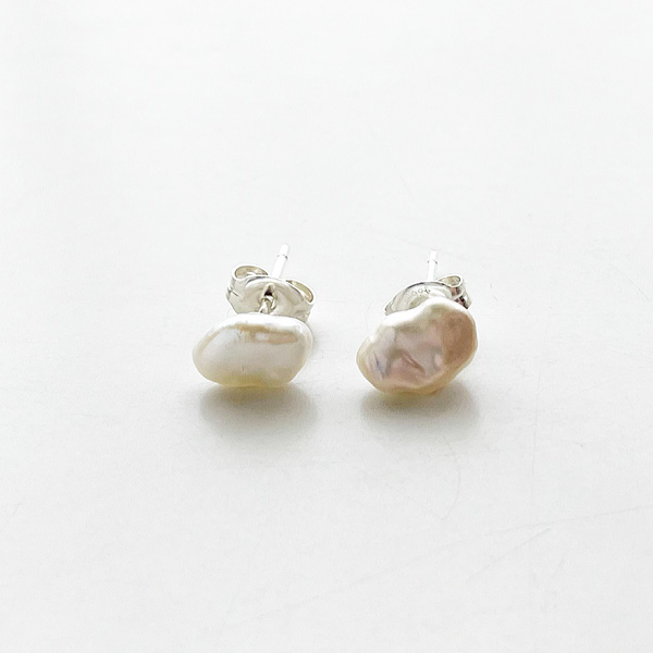 Wolf Circus/PEARL STUDS/Sterling Silver,