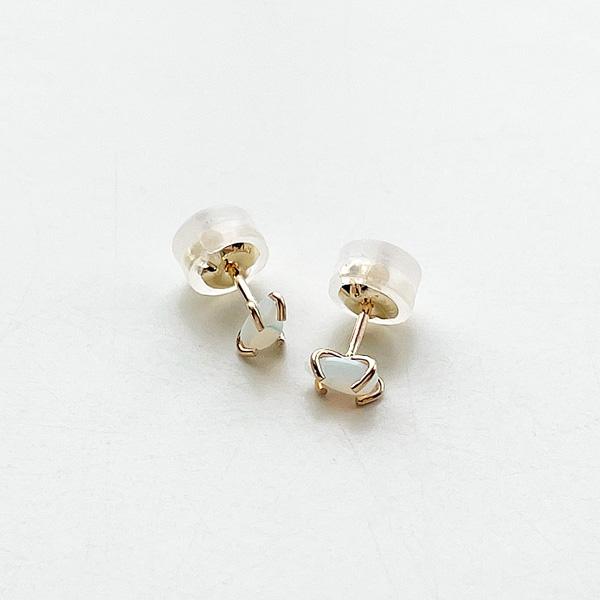 MELISSA JOY MANNING/Limited edition 14k gold prong set white Australian opal stud earring