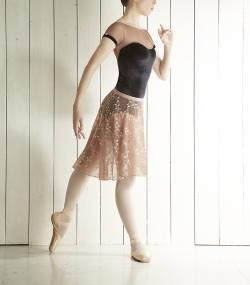〈DellaLo' Milano デラロミラノ〉SOGNO(ソーニョ)/刺繍スカート
