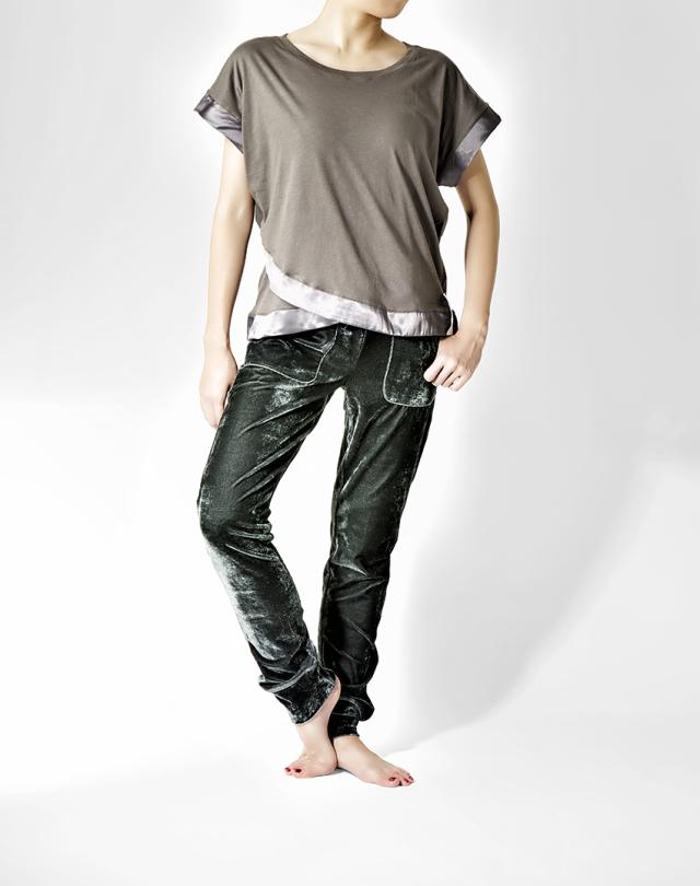 【SALE】〈danza ダンツァ〉48222-4015 裾サテンTシャツ
