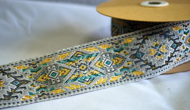 繊細な織のフランスリボンはフランス有名ブランドにも使われています