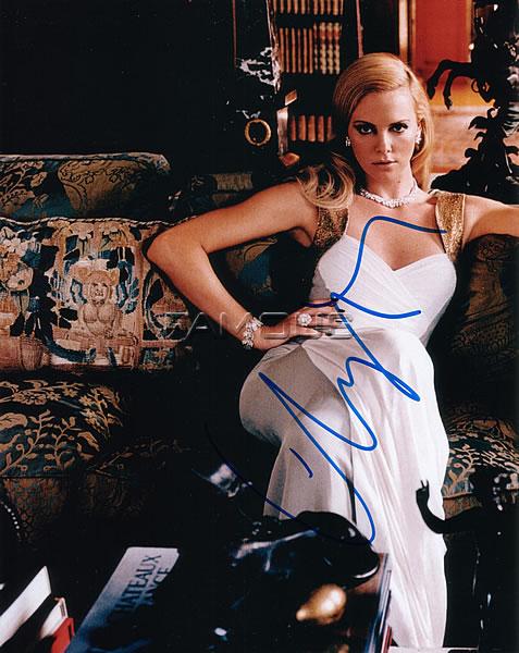 【直筆サイン入り写真】 シャーリーズセロン (マッドマックス 等/Charlize Theron) 映画グッズ/オートグラフ