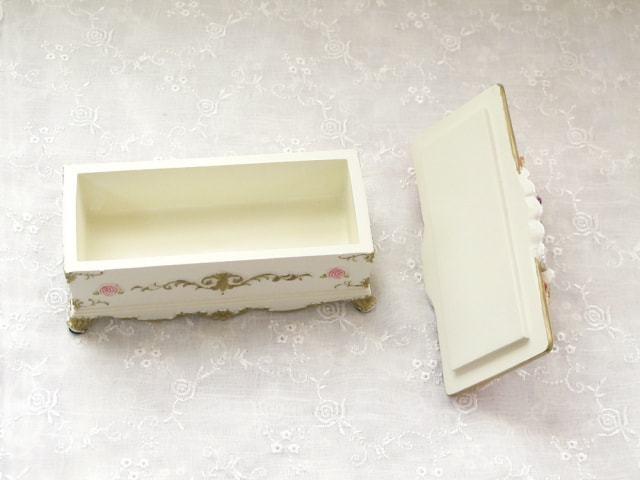 ムーンベアー長椅子型小箱