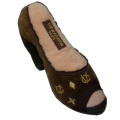 幸せオーラ満載!アメリカで大人気犬用おもちゃ Chewy Vuiton Shoe (L)