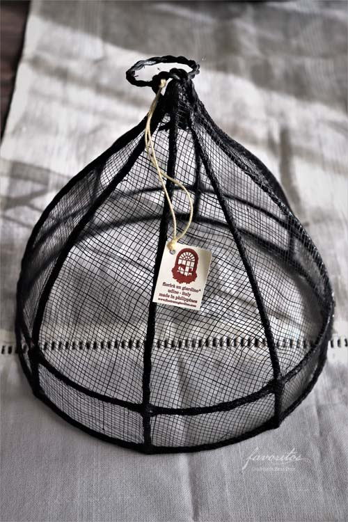 fiorira un giardino(フィオリラ ウン ジアルディーノ) |ラウンド フードカバー20cm(ブラック)