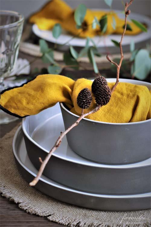 fiorira un giardino(フィオリラ ウン ジアルディーノ)|リネン100%ナプキン マスタードイエロー×ブラック 40×40cm
