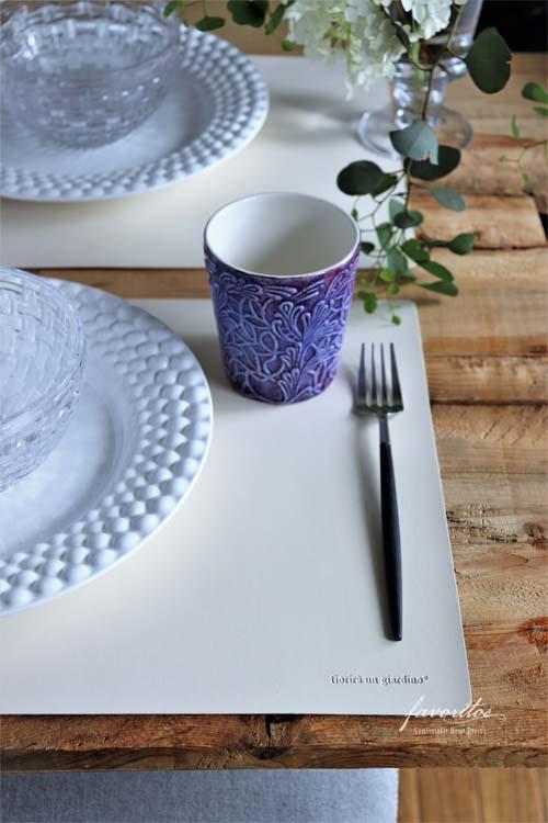 fiorira un giardino(フィオリラ ウン ジアルディーノ)| フェイクレザーテーブルマット(オフホワイト)