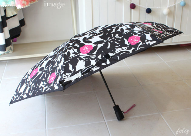 オシャレな折りたたみ傘 marimekko マリメッコ