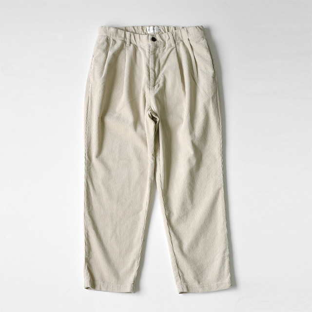 STILL BY HAND - 2tuck Corduroy Tapered Pants - Ecru