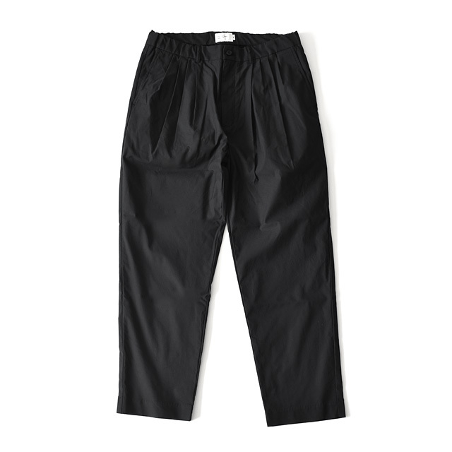 STILL BY HAND - C/P 4Tuck Tapered Easy Trouser - Ink Black