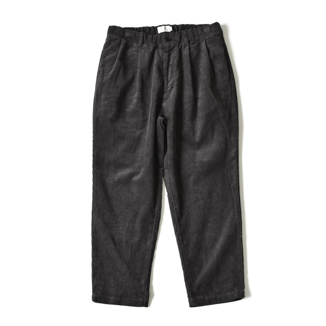 STILL BY HAND - 2tuck Corduroy Tapered Pants - Charcoal