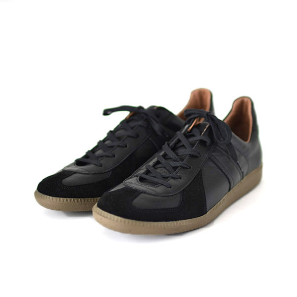 REPRODUCTION OF FOUND - German Trainer - Black