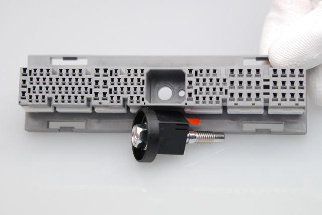 CN10-104P