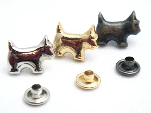 飾りカシメ 犬 Sサイズ U11140 横のサイズ11ミリ。シルバー、ゴールド、アンティーク、ブラックがあります。