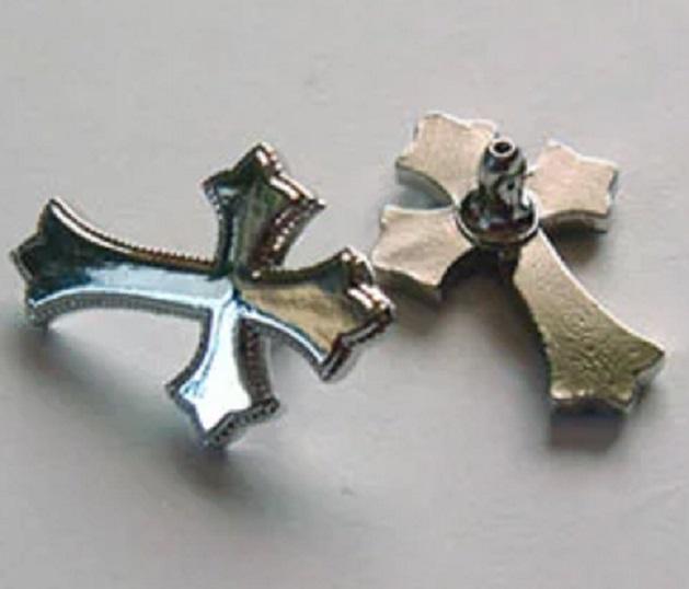飾りカシメ クロス(十字架) U11190 横のサイズ12ミリ、17ミリ。シルバー、ゴールド、アンティークがあります。