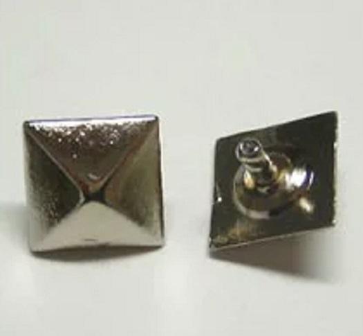 飾りカシメ ピラミッド サイズ6ミリ、8ミリ、10ミリ、12ミリ。シルバー、ゴールド、アンティークがあります。