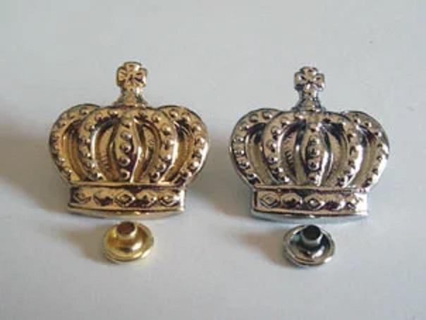 飾りカシメ 王冠。横のサイズ20ミリ。シルバー、ゴールド、アンティークがあります。