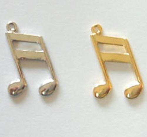 チャーム 音符 X01300 ヘッド部分サイズ 15ミリ。カラーはシルバー、ゴールドがあります。