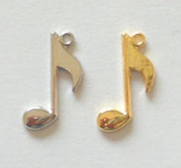チャーム 音符 X01500 ヘッド部分サイズ 15ミリ。カラーはシルバー、ゴールドがあります。