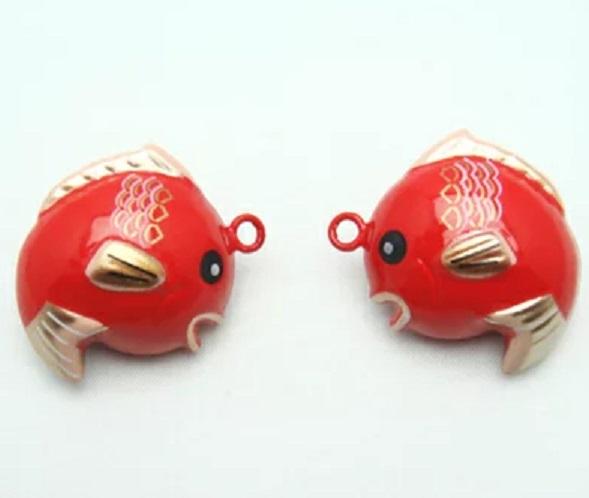 水琴鈴 めでたい タイ 鯛 たい のデザインの水琴鈴です。全長のサイズ28ミリ。水琴窟(すいきんくつ)の音色を鈴の音色で再現しました。