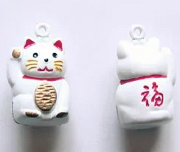 招き猫鈴 招き猫鈴 です。全長のサイズ20ミリ。鈴 スズ 招きネコスズ。福を招く招ネコをデザインした鈴です。