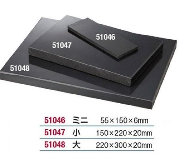 作業用樹脂板 樹脂を使用していますのでハードな作業もOKです。作業用樹脂板 樹脂板ミニ、樹脂板小、樹脂板大、の3サイズがございます。