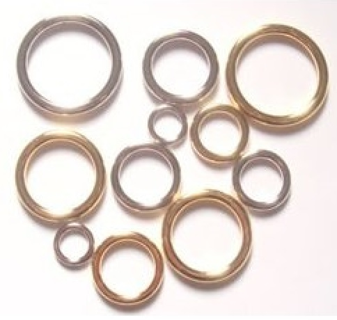 マルカン ダイキャスト合金 つなぎなしリング 日本製 10ミリ、12ミリ、15ミリ、18ミリ、21ミリ、24ミリ、30ミリ、40ミリ、50ミリ、60ミリ。 カラーはシルバー、ゴールド、アンティーク、となります。