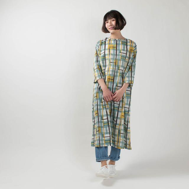 CALINER LIGHT VOILE block柄プリント クルーネックサックドレス