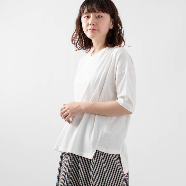 FIRST フライス編みVネックTシャツ