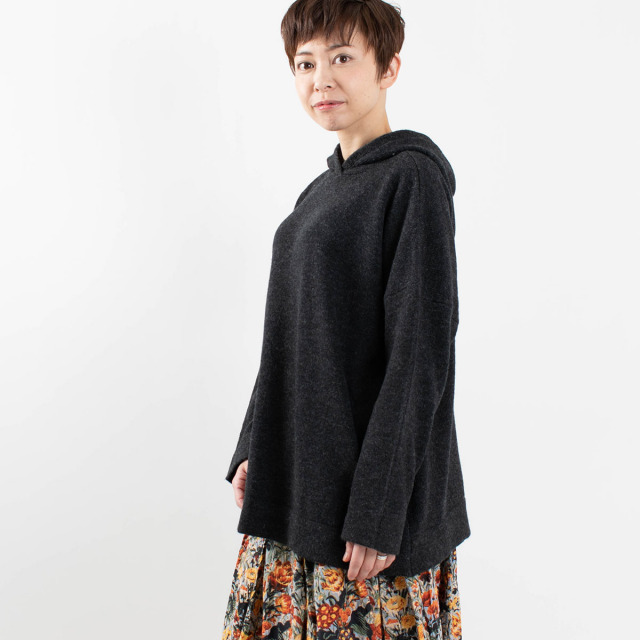 ichi ニットパーカー