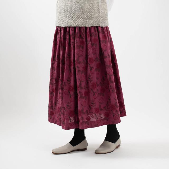 tukuroi by SUN VALLEY 総柄刺繍タックギャザースカート