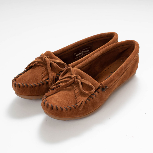 MINNETONKA KILTY SUEDE MOC BROWN