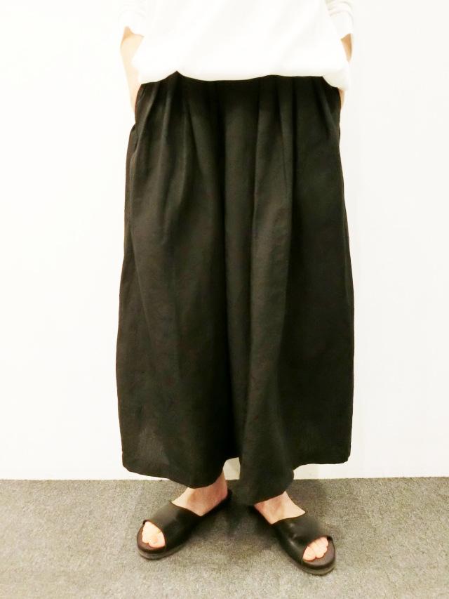 TRAVAIL MANUEL:リネンポプリンランダムプリーツスカート