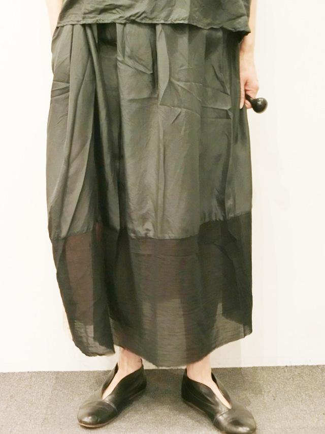 ELSA ESTURGIE:スカート