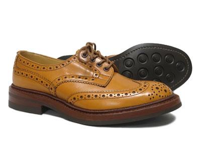 トリッカーズ バートン ウィングチップ カントリー ダイナイトソール Tricker's BOURTON M5633 <エイコンアンティーク> ライトブラウン <日本正規代理店規格モデル>短靴 ローカット〔FL〕
