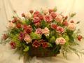 新宿花屋 フラワーショップアイビー 装花アレンジ バラ