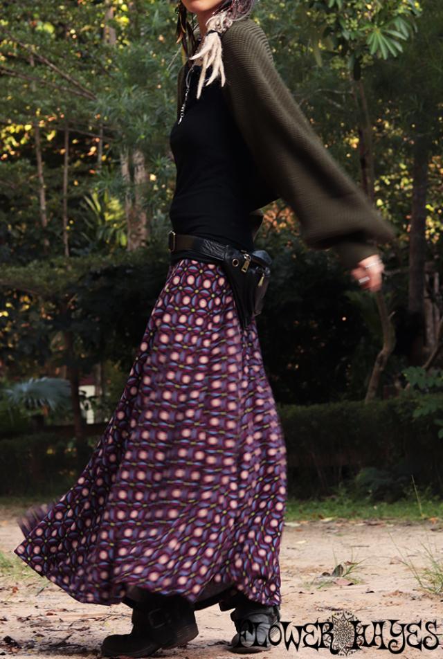起毛素材♪サイケデリック幾何学模様*スーパーストレッチ☆スーパーフレア ロングスカート【M-LLサイズ】
