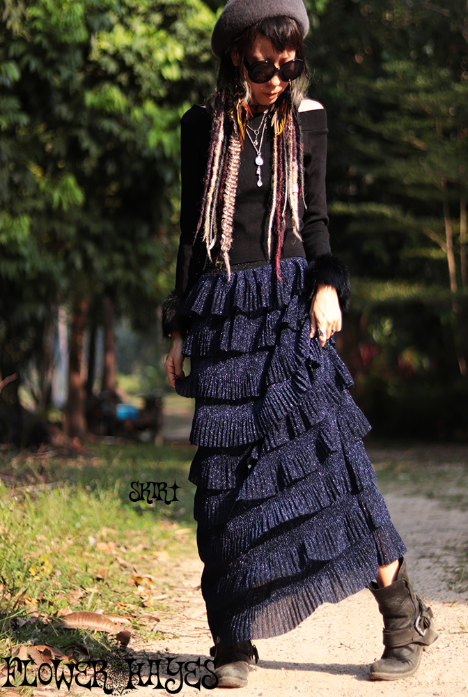 ボリューミー ティアード*ラメロングスカート【3カラー*ロイヤルブルー/シルバー/ブラック】フリーサイズ