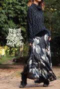 ベロア素材♪大花柄*スーパーストレッチ☆スーパーフレア ロングスカート【カラー*ブラック】フリーサイズ