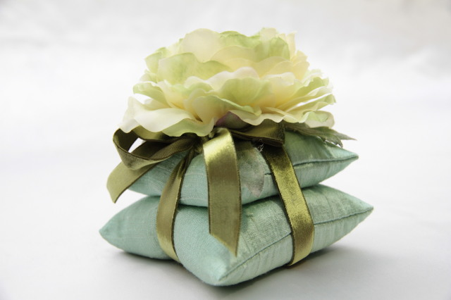サシェ ヴェールリム Vert lime ラナンキュラス ルームフレグランス用 摘みたての香りグレープフルーツの100%ピュアエッセンシャルオイル(5ml)付き!