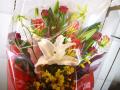 ユリとバラの豪華な花束【5H-1103】