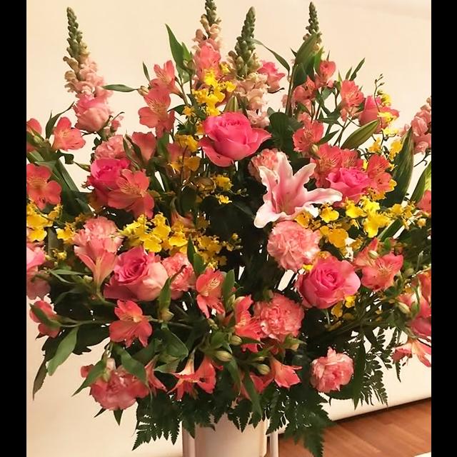 ピンク系スタンド花
