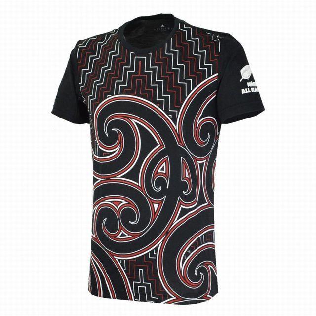 【アディダス】マオリオールブラックス グラフィックTシャツ (サイズ:XS、M、O、2XO)[DN5866]