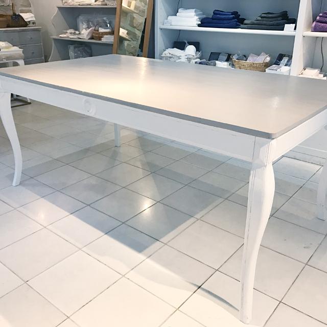 フランス ブランディボワールの家具ファニチャー。インテリアを上質な雰囲気にします。