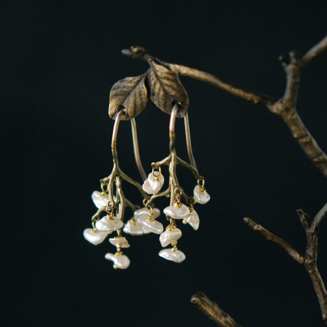 マイケルミショー Michael Michaud  自然、とくに植物をモチーフにしたデザインで人気の高いMichael Michaud。