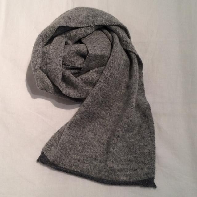 オユーナ oyuna ショートマフラーIMO  soft grey with slate   ( OY-IMO_SC_SOG_SLG )